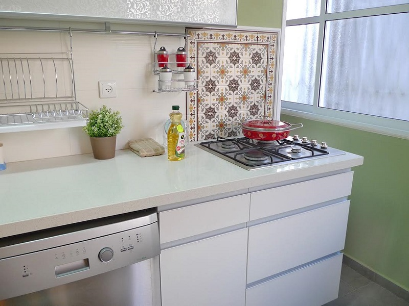Apartment For In Bat Yam Short Term The Is On Second Floor 50 Meters From Waterfront Has 3 Bedrooms And A Living